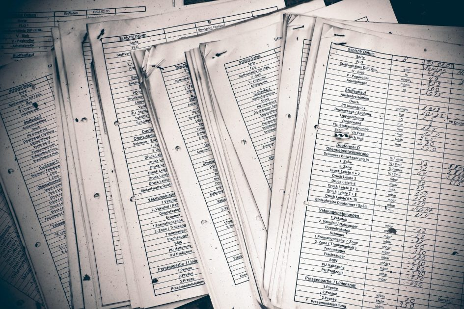 paper lists peque - Tecnología para eventos: ¿Por qué no nos podemos quedar atrás?